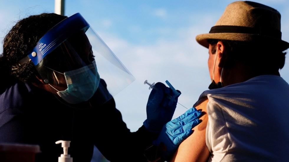 Hasta 2 millones de mexicanos viajaron a EE.UU. para vacunarse contra COVID-19 - Hasta 2 millones de mexicanos han viajado a EE.UU. para vacunarse contra el COVID-19. Foto de EFE