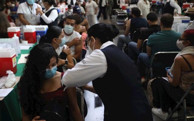 SSa libera registro para vacuna contra COVID-19 a mayores de 30 años - Vacunación CDMX México