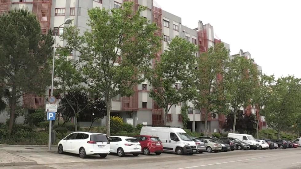 Hallan en España el cadáver de una mujer comido por sus gatos - Zona de departamentos donde vivía mujer cuyo cuerpo fue comido por gatos. Foto de EFE