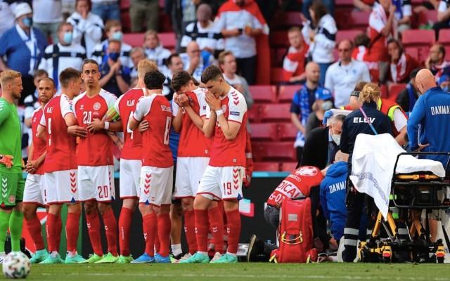El encuentro Dinamarca-Finlandia de la Eurocopa, fue suspendido casi una hora tras el desvanecimiento del jugador Christian Eriksen - Foto de EFE