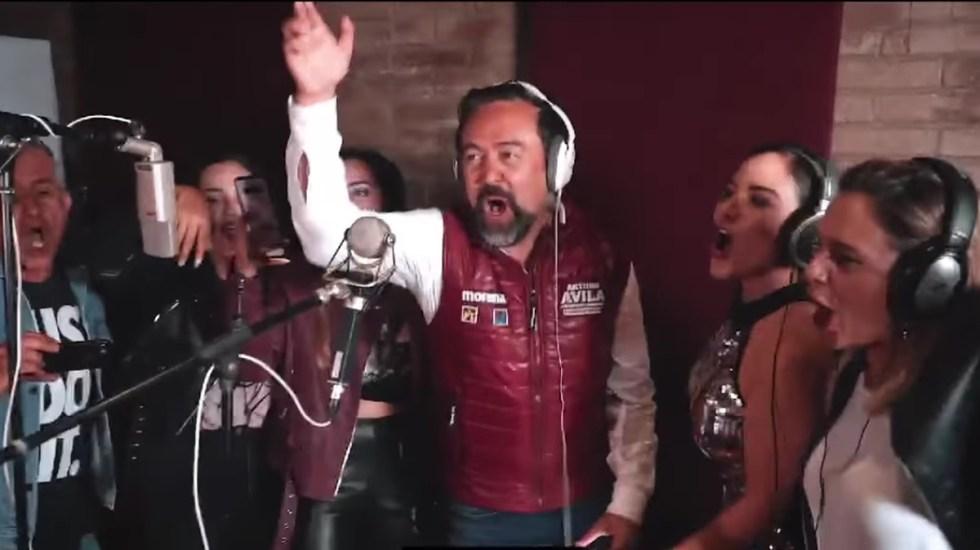 Candidato por Morena lanza 'cover' de Voto Latino; Molotov advierte demanda - Arturo Ávila canta versión política de Voto Latino de Molotov. Captura de pantalla