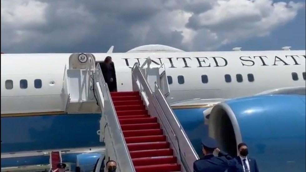 Problema técnico retrasa vuelo de Kamala Harris rumbo a Guatemala - Captura de pantalla.