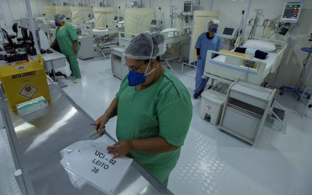Brasil registra mil 593 nuevas muertes por COVID-19 y 64 mil 134 contagios - Foto de EFE/ Joédson Alves /Archivo.