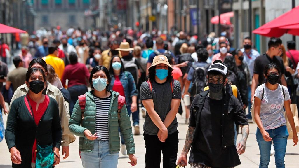 Pasa CDMX a Semáforo Verde con contagios en niveles de Semáforo Naranja: Dr. Francisco Moreno - Ciudad de México durante pandemia de COVID-19. Foto de EFE