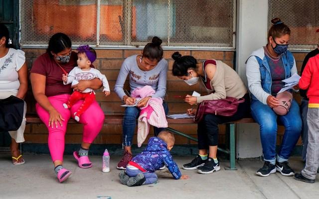Migrantes centroamericanos reciben vacuna contra COVID-19 en Tijuana - COVID-19 vacuna Tijuana coronavirus 3