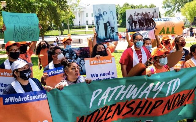 Dreamers piden ciudadanía estadounidense en aniversario de DACA - Dreamers piden ciudadanía estadounidense en aniversario de DACA. Foto de EFE