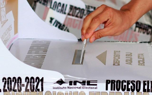 La democracia en México, amenazada por dudas sobre instituciones electorales - elecciones 2021 México INE
