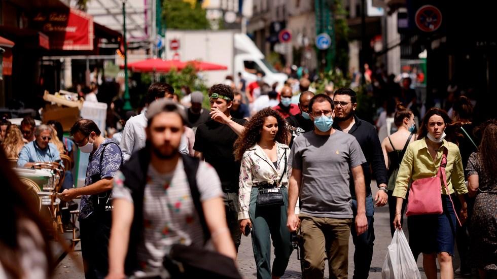 """OMS ve """"muy preocupante"""" aumento de contagios en últimas semanas; pide aumentar vacunación - Francia OMS covid-19 Europa coronavirus"""