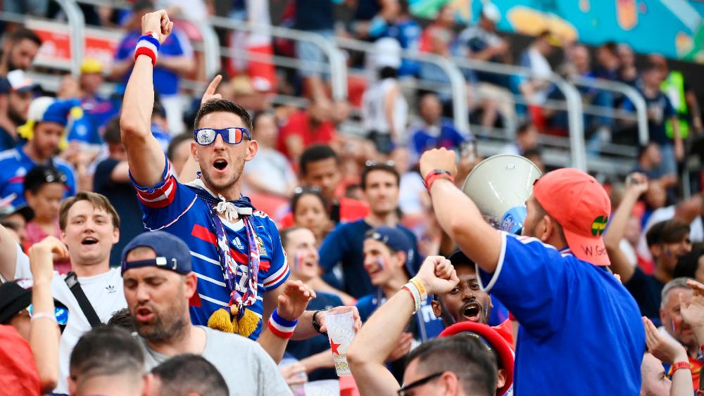 Aficionados franceses confunden Budapest con Bucarest y se pierden el Hungría-Francia - Francia franceses Euro 2020
