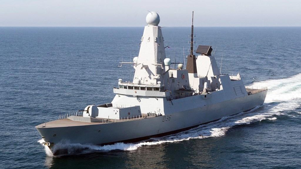 Rusia informa disparos de advertencia contra destructor británico; Reino Unido los niega - HMS Defender. Foto de Caroline Davies  / ©UK MOD CROWN