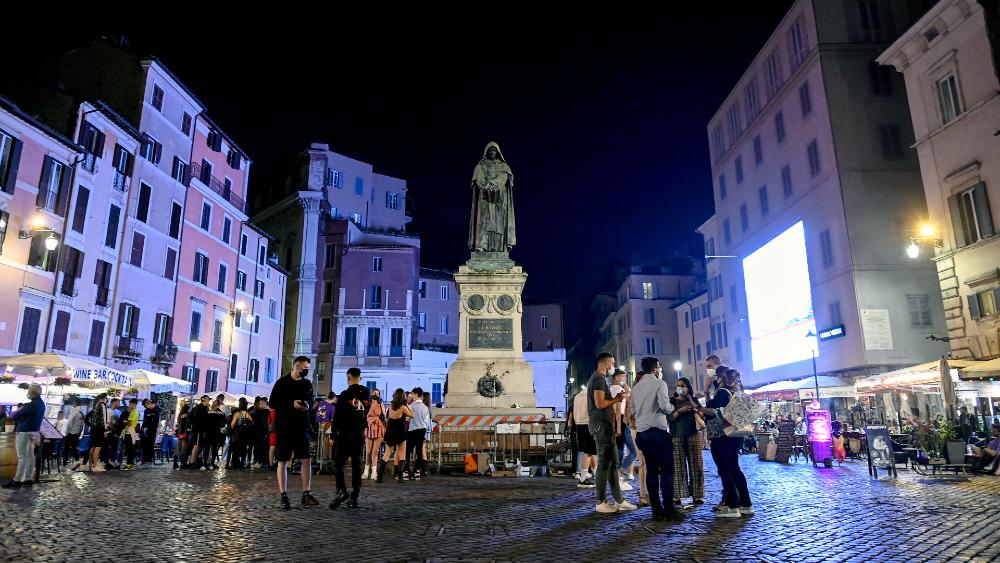 Italia elimina obligación de llevar mascarilla en espacios abiertos - Italia coronavirus covid