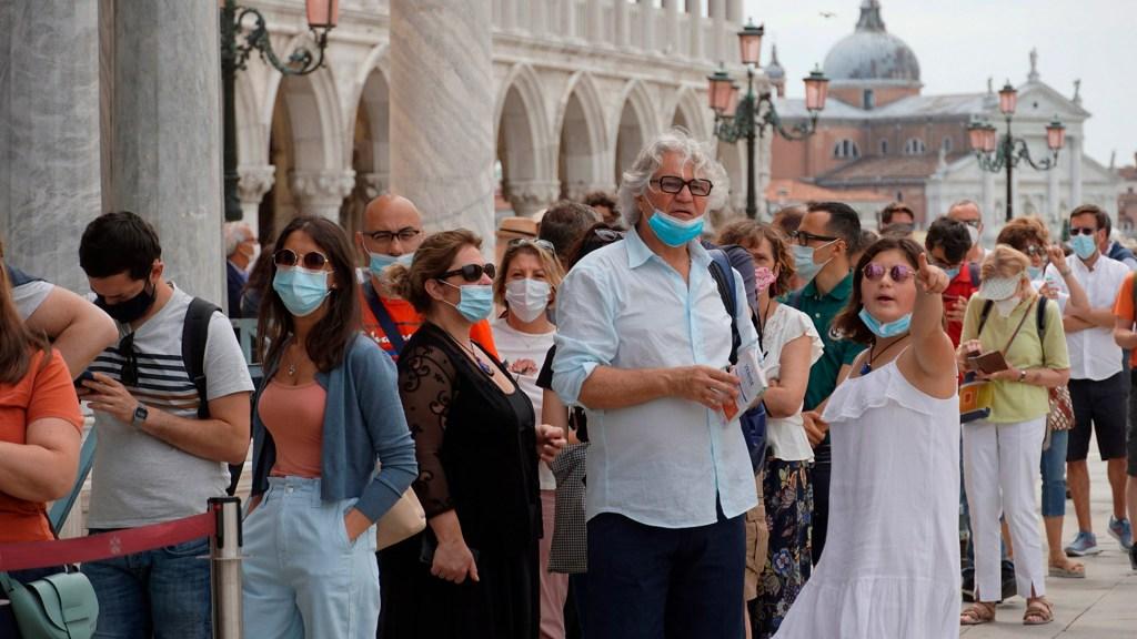 Cubrebocas dejarán de ser obligatorios en Italia - Italia durante pandemia de COVID-19. Foto de EFE