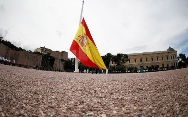 Izado de bandera para celebrar el séptimo aniversario de la coronación de Felipe VI - Acto de Izado Solemne de Bandera con motivo del VII aniversario de la proclamación de Felipe VI como rey de España, en la Plaza de Colón, en Madrid, este sábado. Foto de EFE/David Fernández.