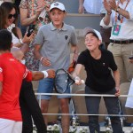 #Video Djokovic regaló raqueta a niño mexicano en Roland Garros