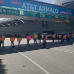 Continúa el bloqueo en la Terminal 1 del AICM por padres de niños con cáncer