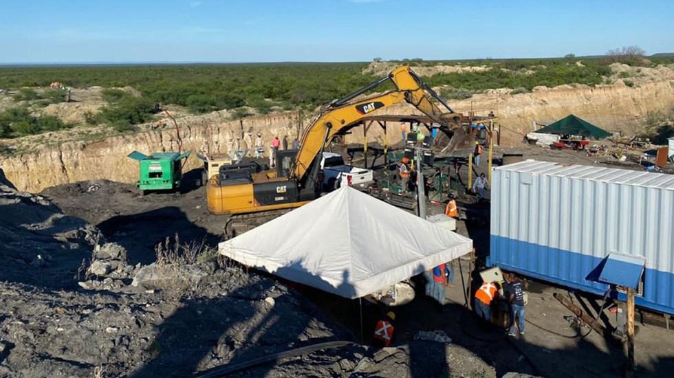 Rescatan cuerpos de otros dos mineros atrapados en derrumbe en Coahuila - Trabajos de rescate en mina de Coahuila. Foto de @CNPC_MX