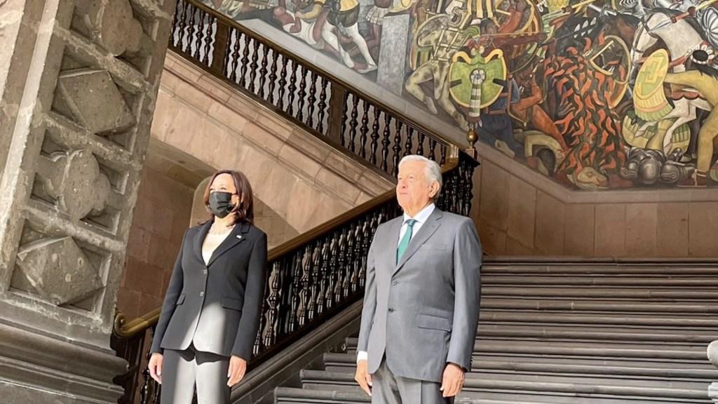 """México y Estados Unidos inician """"nueva era"""" con visita de Harris - México y EEUU inician una"""