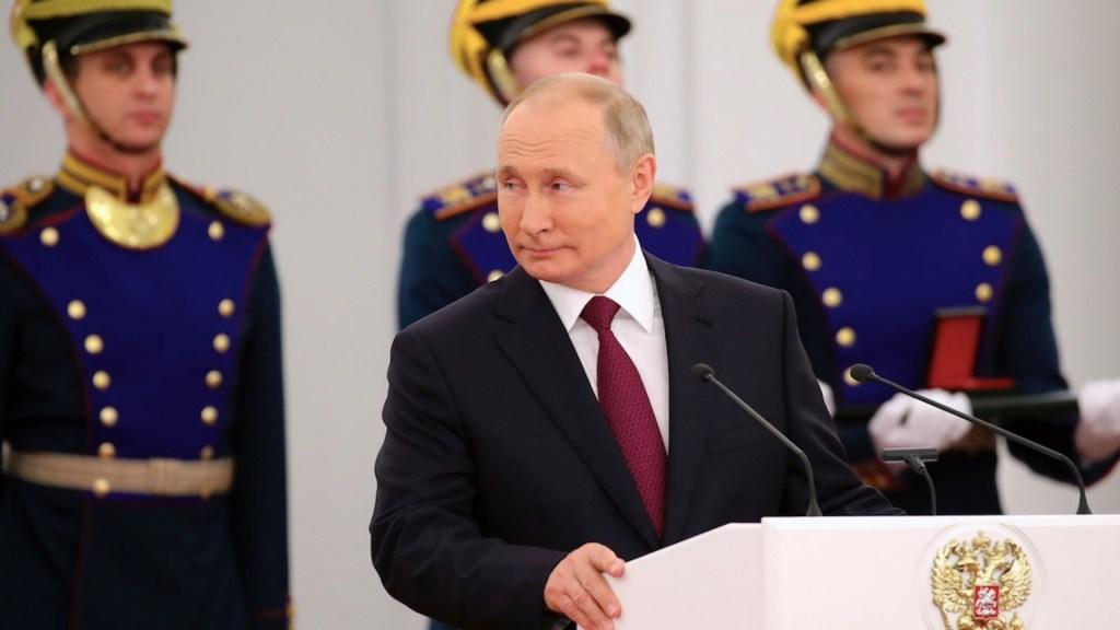 Vladimir Putin premia a creadores de la vacuna Sputnik V - Vladimir Putin premia a creadores de la vacuna Sputnik V. Foto de EFE