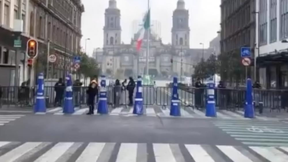 Cierran Zócalo de CDMX a horas de elecciones y visita de Kamala Harris - Zocalo CDMX cerrado 4jun21