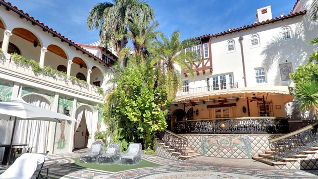 Hallan cadáveres de dos hombres en la antigua mansión Versace de Miami Beach - Antigua mansión Versace convertida en hotel. Foto de Google Maps / The Villa Casa Casuarina At The Former Versace Mansion