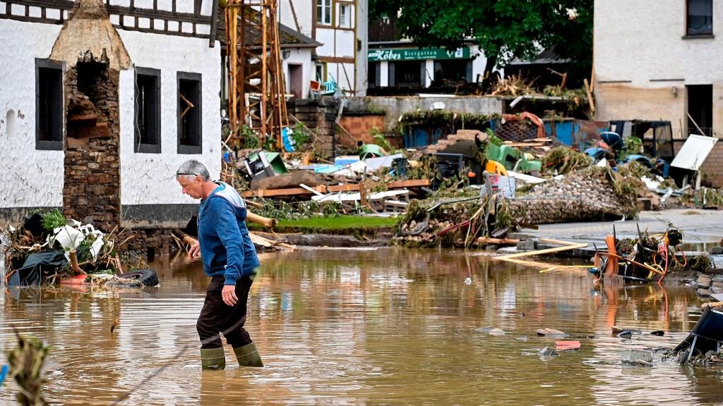 Merkel anuncia fondo de ayuda tras inundaciones de 30 mil millones de euros - daños Alemania inundaciones