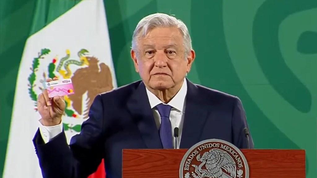 """Tribunal Electoral exhorta a López Obrador a actuar con """"mesura, conciencia y autocontrol"""" en conferencias matutinas - funcionarios"""