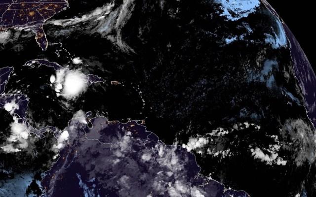 Elsa deja fuertes lluvias en su paso cercano por Jamaica - Elsa Jamaica tormenta lluvias