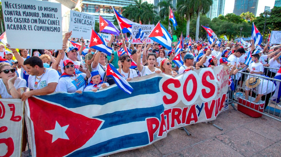 Libertad para Cuba, Nicaragua y Venezuela gritan miles de personas en EE.UU. - Libertad Miami Cuba Nicaragua Venezuela