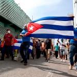 """Cuba califica protestas de """"disturbios"""" y atribuye corte de internet a la crisis - Manifestación en La Habana por una 'Cuba libre'. Foto de EFE"""