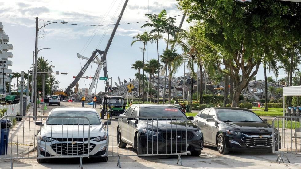 """Equipos de rescate pasan a fase de """"recuperación de cuerpos"""" en edificio derrumbado de Miami - Miami derrumbe edificio departamentos"""