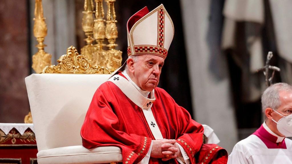 Hospitalizan al papa Francisco para cirugía de colon - Papa Francisco. Foto de EFE