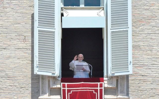 """Papa Francisco llama al """"diálogo y la solidaridad"""" en Cuba - Papa Francisco durante rezo del Ángelus. Foto de EFE"""
