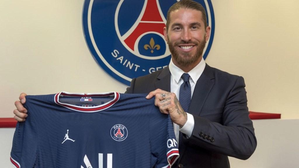 Sergio Ramos firma con el PSG por dos temporadas - Sergio Ramos firma con el PSG por dos temporadas. Foto de Twitter PSG