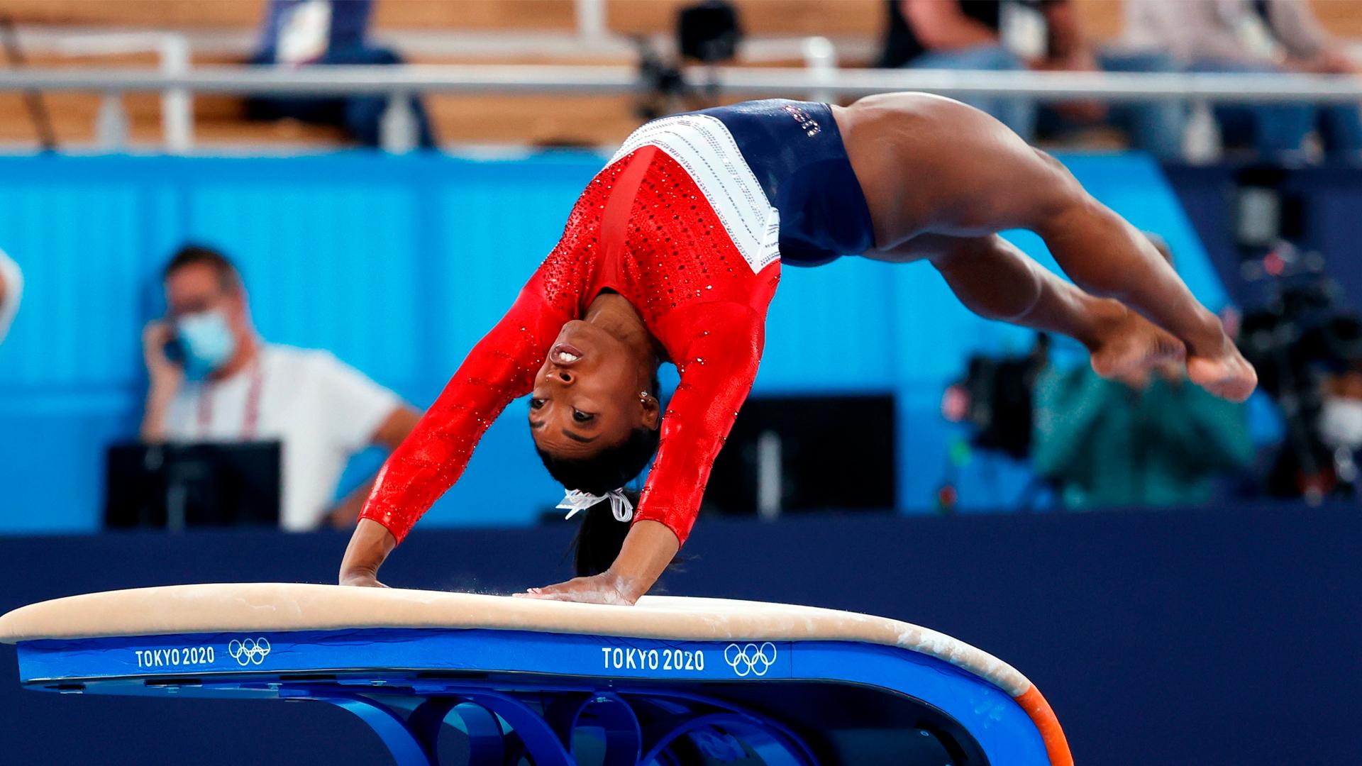 Simone Biles se retira de la final individual en Tokio 2020. Foto de EFE