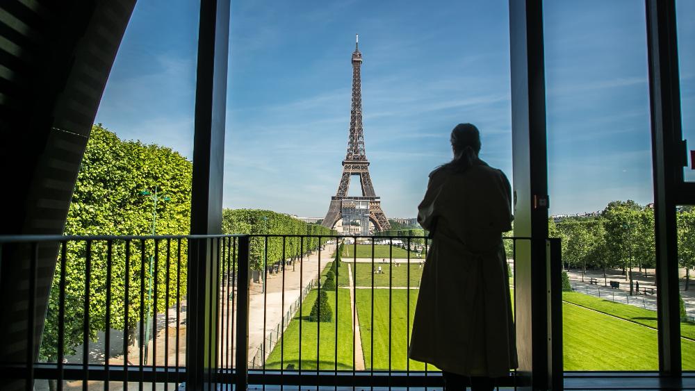 Torre Eiffel reabre al público tras 8 meses de cierre por pandemia - Torre Eiffel