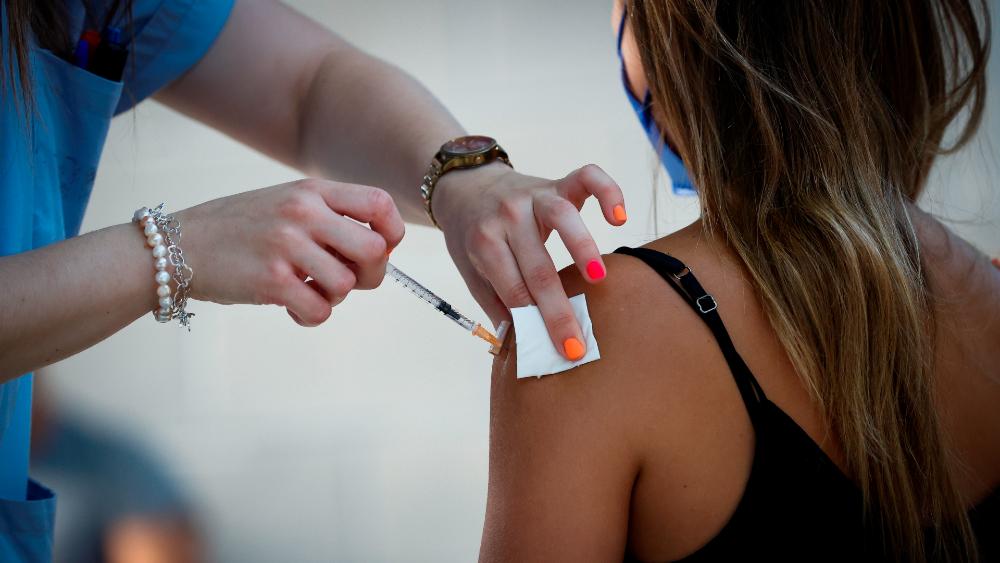 ¿Tercera dosis de vacuna? Aún no hay suficientes evidencias científicas - vacuna COVID-19