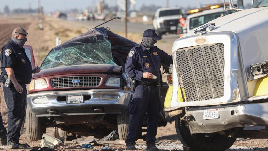 Al menos tres mexicanos entre los 10 migrantes muertos en accidente en Texas - Al menos tres mexicanos entre los 10 migrantes muertos en accidente en Texas. Foto de EFE