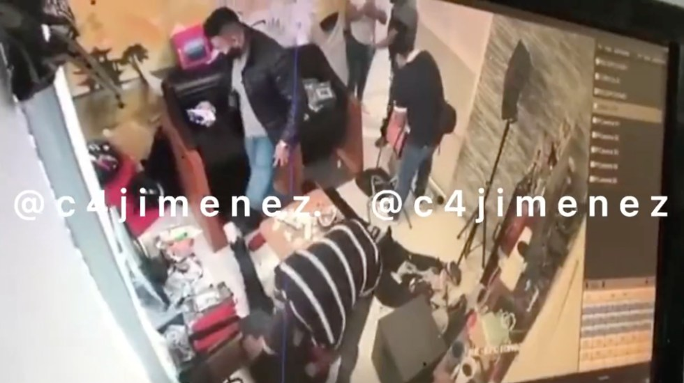 #Video Agentes de la FGR roban cargamento de cocaína en CDMX - agentes FGR cocaína CDMX