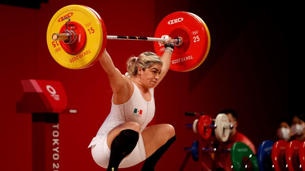 La halterofilista Aremi Fuentes da a México tercera medalla en Juegos Olímpicos de Tokio - Aremi Fuentes, bronce en halterofilia