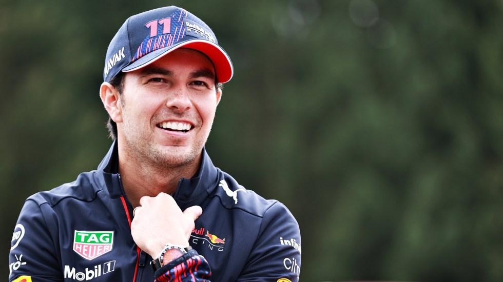 'Checo' Pérez se mantendrá con Red Bull en 2022 - 'Checo' Pérez con Red Bull