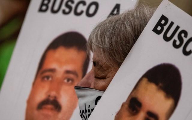 Familiares de desaparecidos mexicanos protestan frente al Palacio Nacional - Desaparición forzada es un flagelo grave en América, asegura AI. Foto de EFE