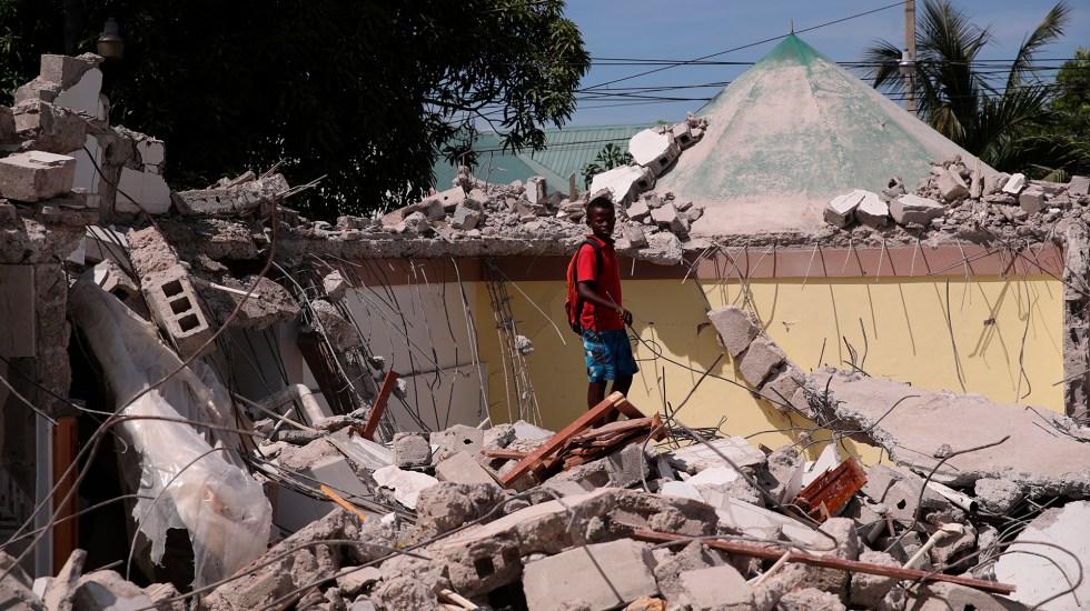 Suman mil 419 personas muertas por terremoto en Haití - Escombros en Haití tras terremoto