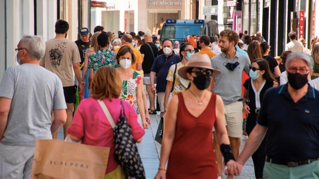 España amplía orden de cuarentena a viajeros de países americanos - España amplía orden de cuarentena a viajeros de países americanos. Foto de EFE