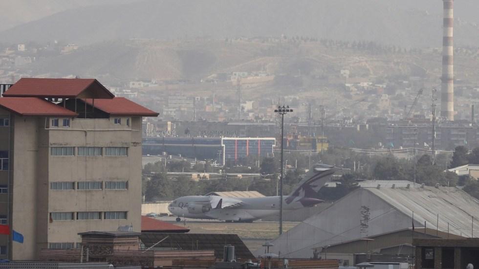 Estados Unidos da por terminada su misión en Afganistán, tras 20 años de guerra - Estados Unidos Afganistán Vista de aviones militares en el Aropuerto Internacional Hamid Karzai, en Kabul, Afganistán. Foto de EFE/ Stringer