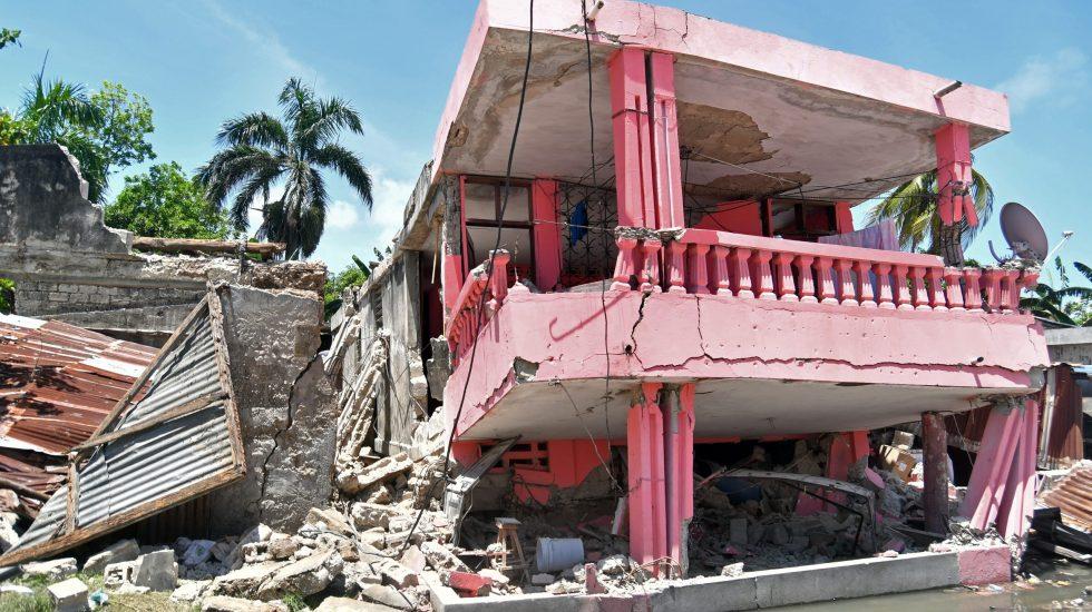 El papa pide ayuda y solidaridad internacional tras terremoto en Haití - sismo haiti papa