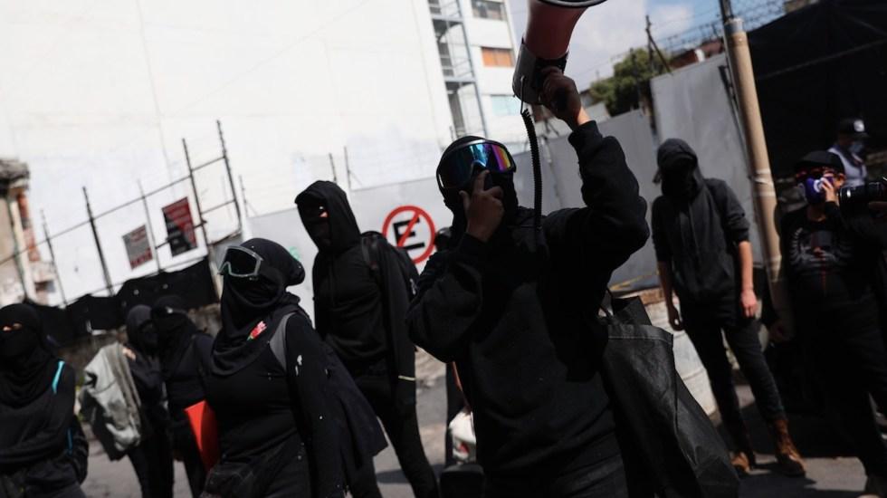 Feministas acusan a autoridades de perseguir a manifestantes - Feministas acusan a autoridades de perseguir a manifestantes. Foto de EFE