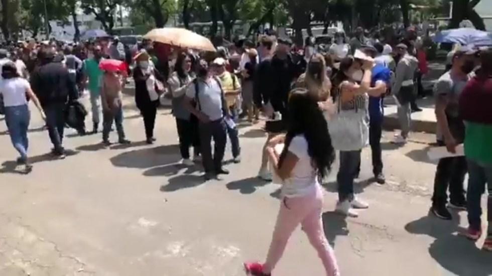#Video Largas filas y caos en Xochimilco por primer día de vacunación a jóvenes - Fila para vacunación contra COVID-19 en Xochimilco