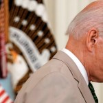 Traje de Biden evoca polémica del mandato de Obama