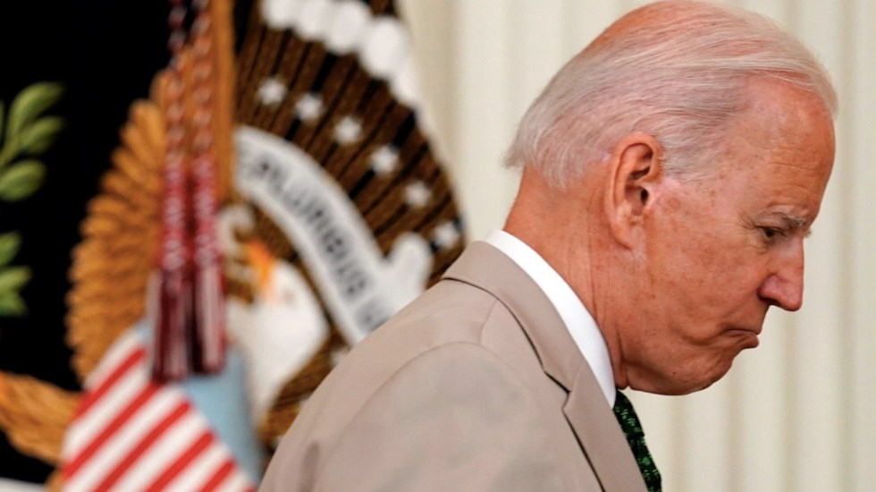 Traje de Biden evoca polémica del mandato de Obama - Traje de Biden evoca polémica del mandato de Obama. Foto de EFE