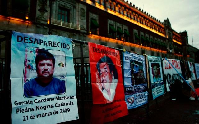 Búsqueda de desaparecidos en México choca con el desdén de las fiscalías - Manifestación frente a Palacio Nacional por personas desaparecidas